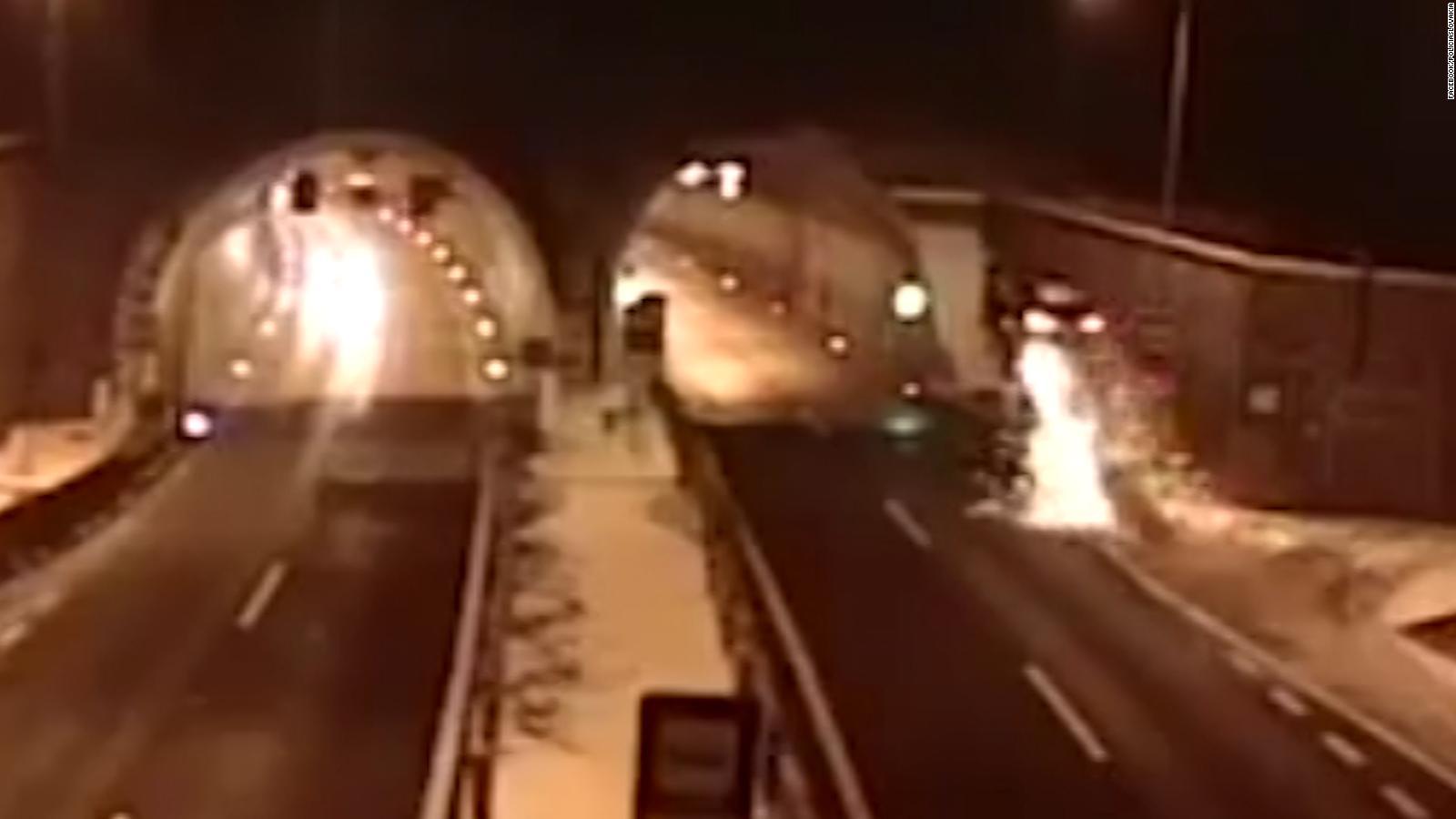 Car flies through the air in terrifying video