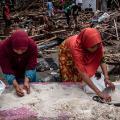 08 indonesia tsunami 1224
