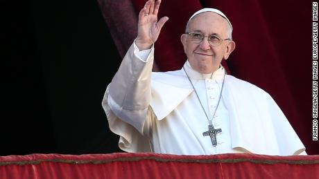 Pope pleads for mutual understanding in Christmas message