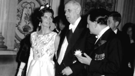 Jackie Kennedy uses fashion diplomacy