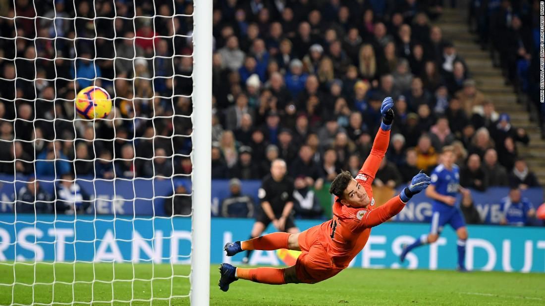 Liverpool extends EPL lead as Man City loses again