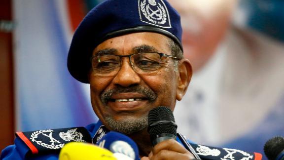 Sudanese President Omar al-Bashir speaks to police officials on Sunday.