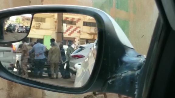 sudan protests khartourm omar al bashir elbagir pkg vpx_00003214.jpg