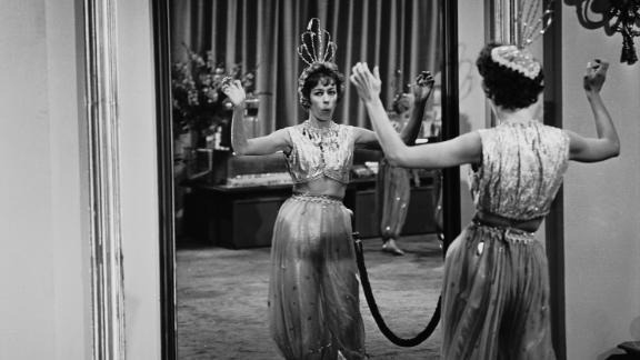 "Burnett guest-stars on a ""Twilight Zone"" episode in 1962."