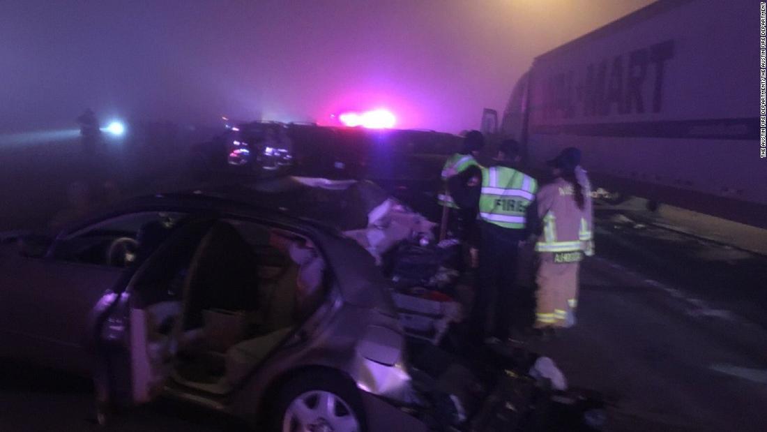 Heavy fog causes 20-plus vehicle collision in Texas - CNN