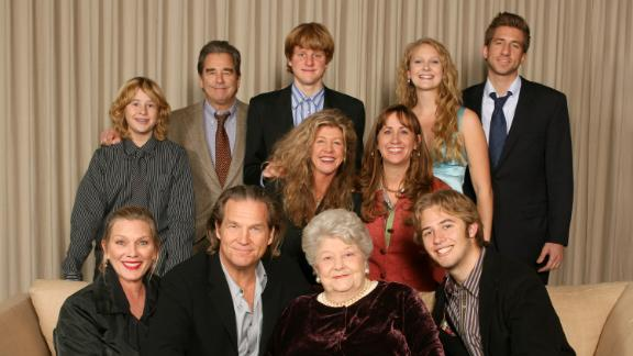 Bridges, seated second from left, poses with various members of his family in 2006. Seated with Bridges, from left, are his wife, Susan; his mother, Dorothy; and his nephew Dylan. Bridges' brother, Beau, is second from left behind him, and his sister, Cindy, is fourth from left.