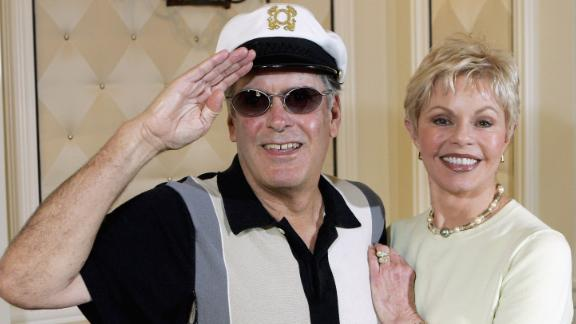 """""""Captain"""" Daryl Dragon and his wife Toni Tennille of the music duo The Captain and Tennille, pose at the Video Software Dealers Association"""