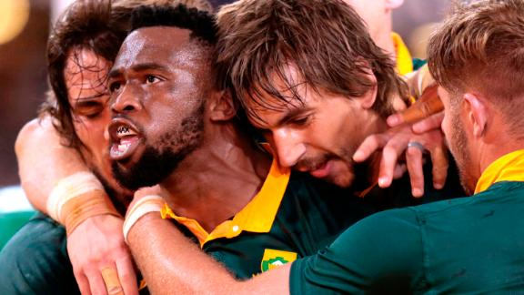 Siya Kolisi of South Africa (2nd-L) celebrates after scoring a try against France during the International test match between South Africa and France at the Kingspark rugby stadium on June 17, 2017 in Durban. / AFP PHOTO / GIANLUIGI GUERCIA        (Photo credit should read GIANLUIGI GUERCIA/AFP/Getty Images)