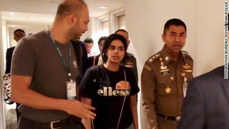 Rahaf al-Qunun has been given UN refugee status, Australian officials say