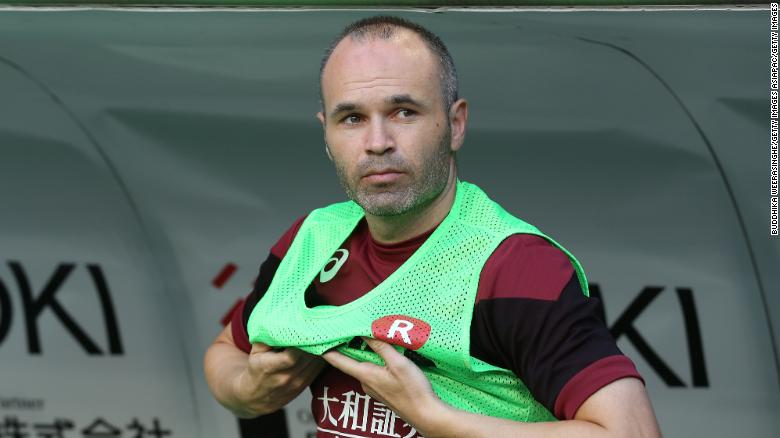 Iniesta played 674 matches for Barcelona.