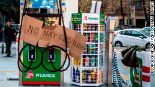 Mexico gas shortage fuels long lines at the pump