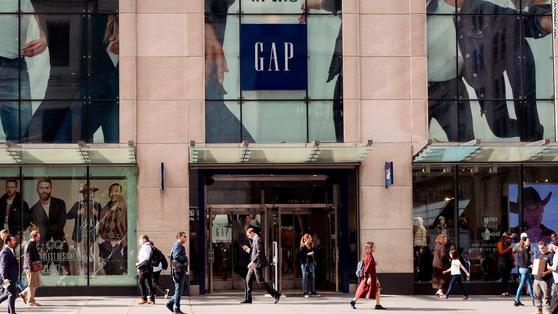 f8e721d943b2 Why retailers are fleeing Fifth Avenue - CNN