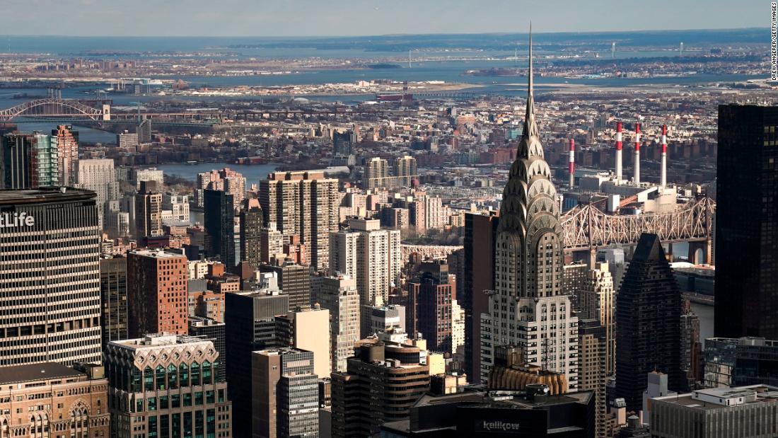 Sekarang adalah kesempatan anda untuk membeli sebuah apartemen di Manhattan. Harga anjlok