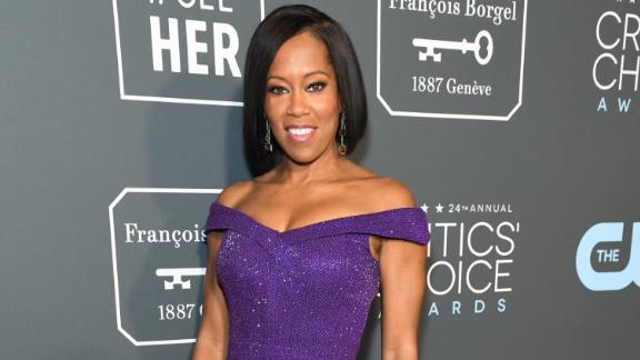 """Regina King stunned in a purple sequined dress before being named Best Supporting Actress for her role in """"If Beale Street Could Talk."""""""