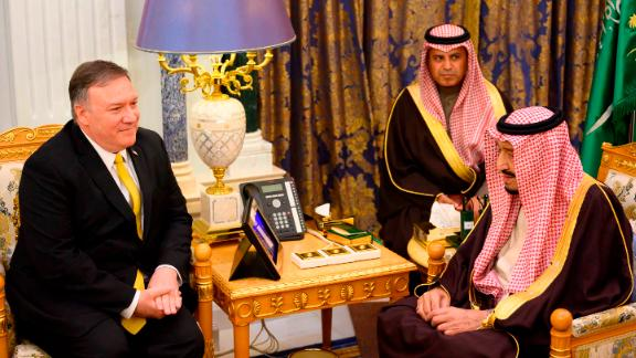 Saudi Arabia's King Salman bin Abdulaziz (R) meets with US Secretary of State Mike Pompeo  at the Royal Court in Riyadh on January 14, 2019. (Photo by ANDREW CABALLERO-REYNOLDS / POOL / AFP)        (Photo credit should read ANDREW CABALLERO-REYNOLDS/AFP/Getty Images)