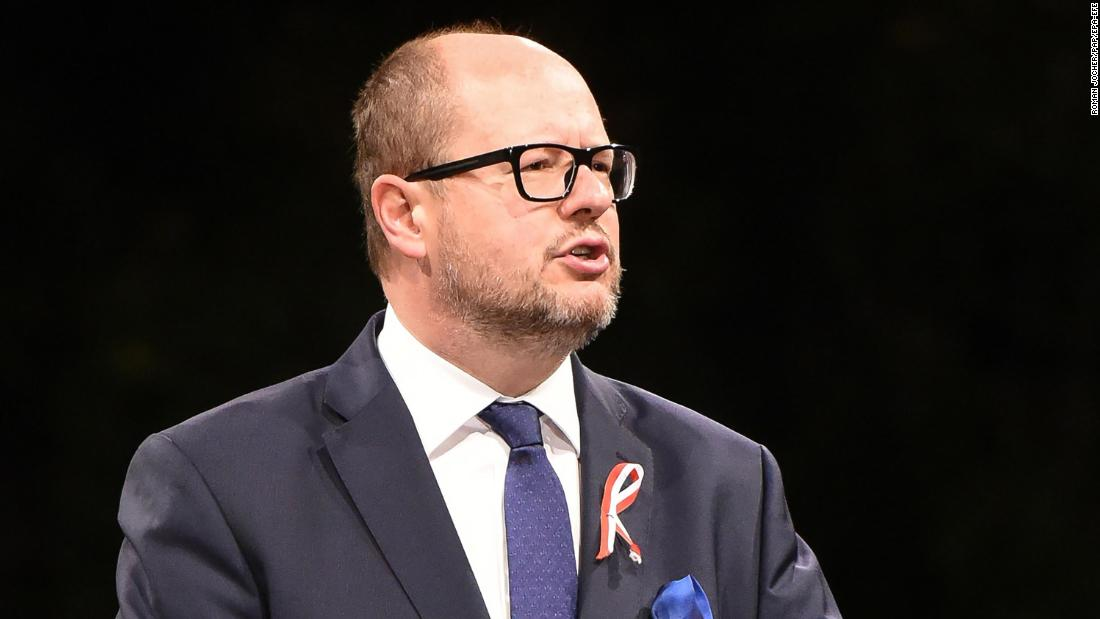 Polish mayor dies after being stabbed in heart on stage
