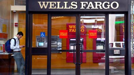 Wells Fargo in talks to settle SEC, DOJ fake-account probes - CNN