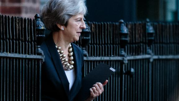 LONDON, ENGLAND - OCTOBER 22: British Prime Minister Theresa May leaves the back of Number 10 Downing Street on October 22, 2018 in London, England. Mrs May is to update MPs in the House of Commons with statement on last week