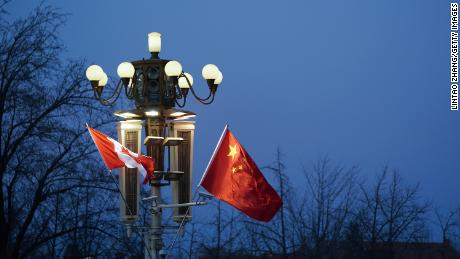 Ex-diplomats and scholars warn that Canadians are deserting China