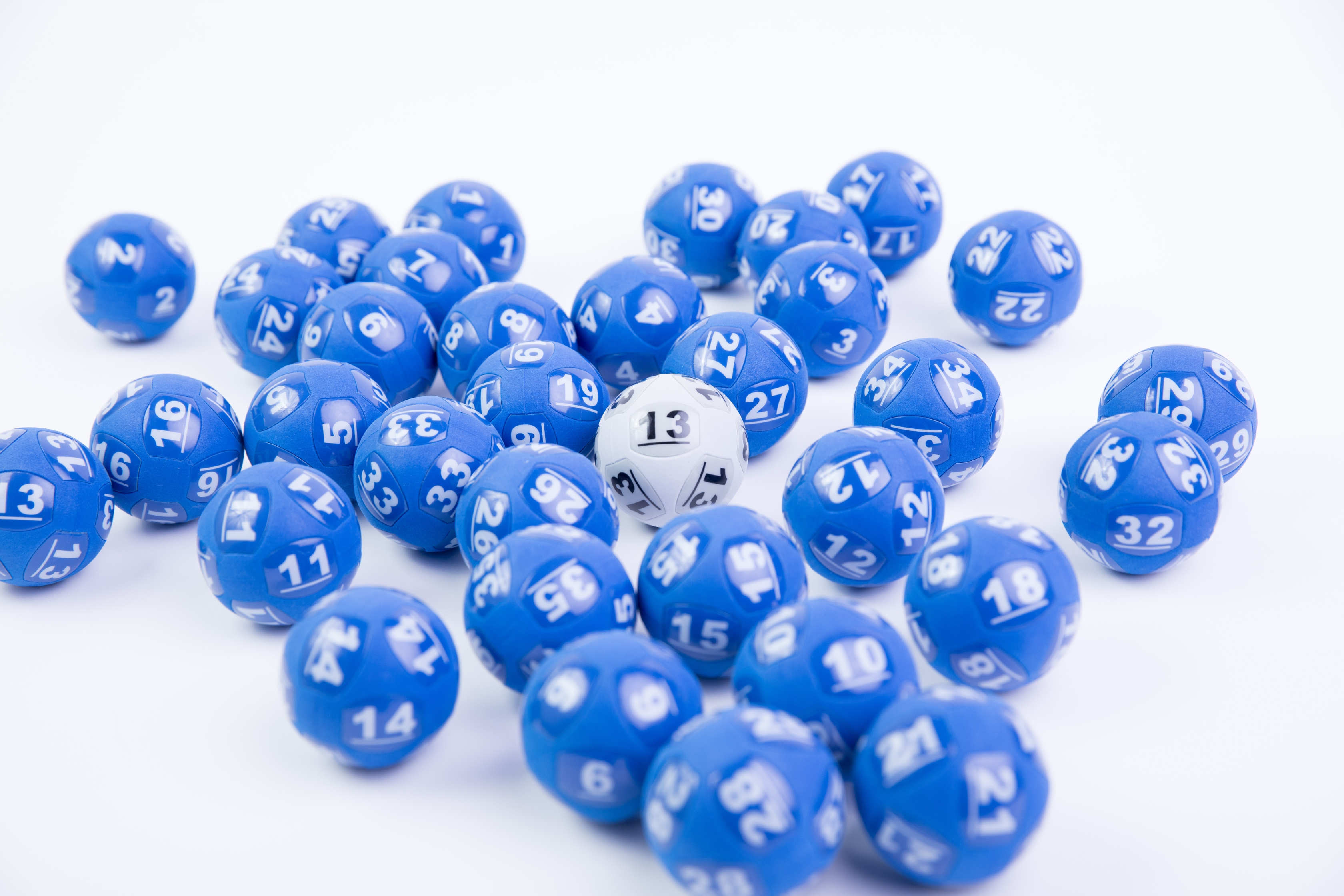 Australian lottery Powerball record jackpot won by mom from Sydney | CNN