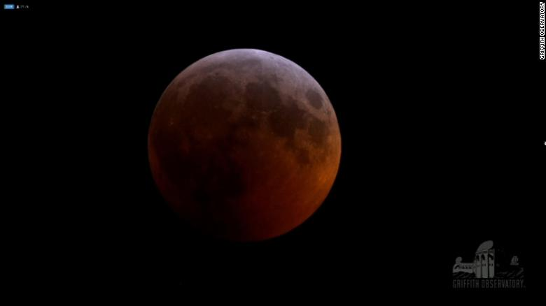Total Lunar Eclipse And Super Blood Wolf Moon Bedazzles Stargazers Cnn