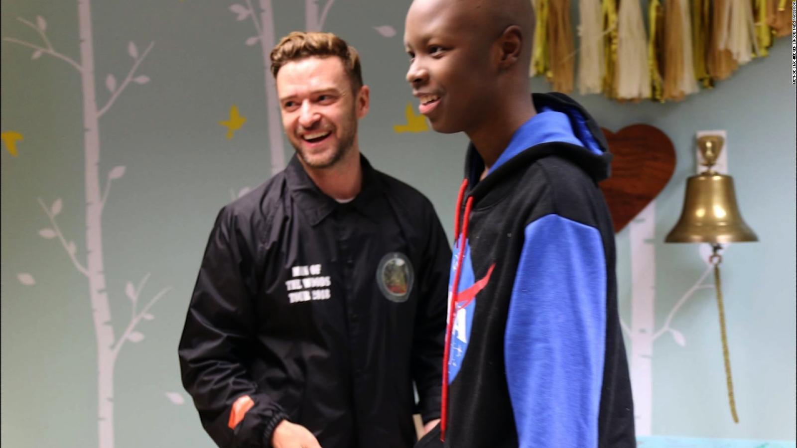 Justin Timberlake surprises kids at hospital
