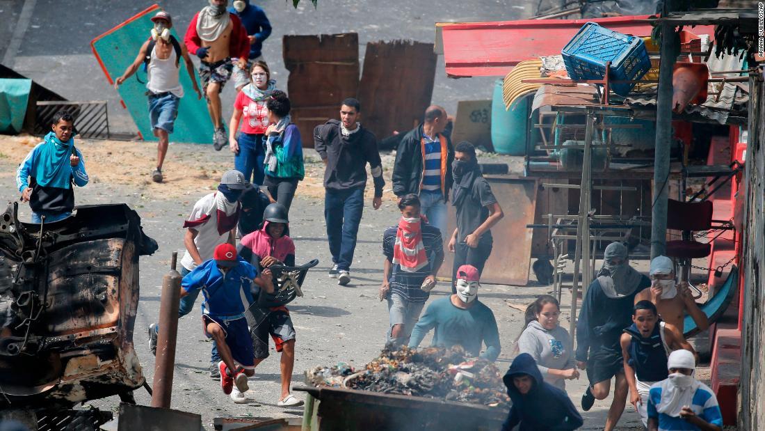 Venezuelan government quashes military revolt