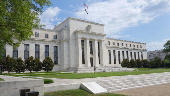 The US Federal Reserve building is seen August 1, 2015 in Washington, DC.  AFP PHOTO / KAREN BLEIER        (Photo credit should read KAREN BLEIER/AFP/Getty Images)