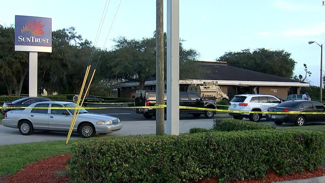 At least 5 people killed at SunTrust Bank in Sebring, Florida, police say