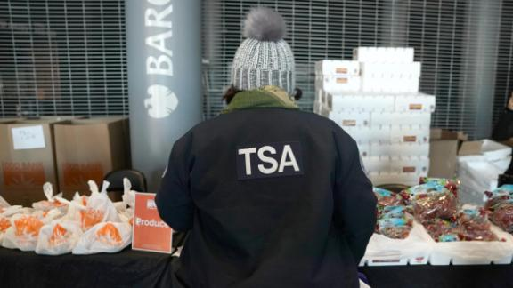 Image for More than 1,000 TSA employees still owed back pay from shutdown