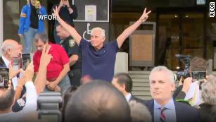 190125123227-02-roger-stone-court-0125-s