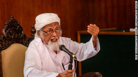 Radical cleric Abu Bakar Bashir talks at the Cilacap District Court on January 26, 2016 in Cilacap, Central Java, Indonesia.
