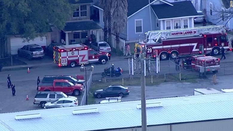 4 Houston officers shot in drug raid gun battle