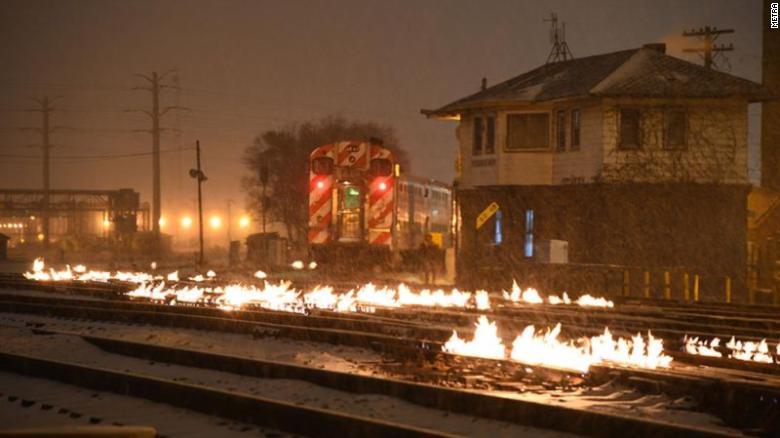 https://cdn.cnn.com/cnnnext/dam/assets/190130082540-03-chicago-train-tracks-on-fire-exlarge-169.jpg