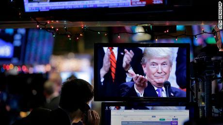 Bad economic news raises political risks for Trump