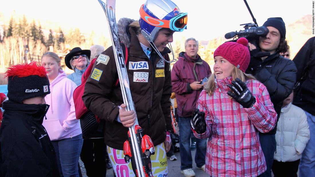 Vonn talks with a young fan in Vail, Colorado, in November 2010.