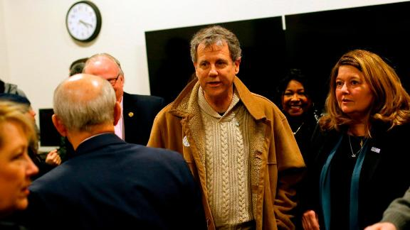 U.S. Senator and 2020 presidential candidate Sherrod Brown (D-OH) and his wife Connie Schultz (R) take a tour of the University of Northern Iowa