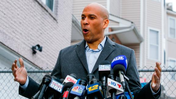 Sen. Cory Booker (D-NJ) announces his presidential bid during a press conference on February 1, 2019 in Newark, New Jersey.