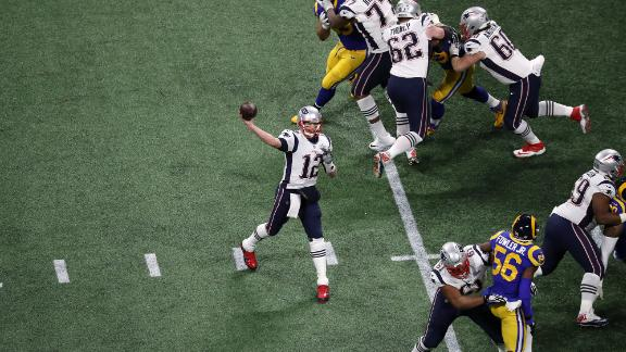 Brady drops back to the pass in the first quarter.