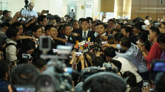 Thai Raksa Chart Party chief Lt. Preechapon Pongpanich confirms Princess Ubolratana will stand in the March elections.