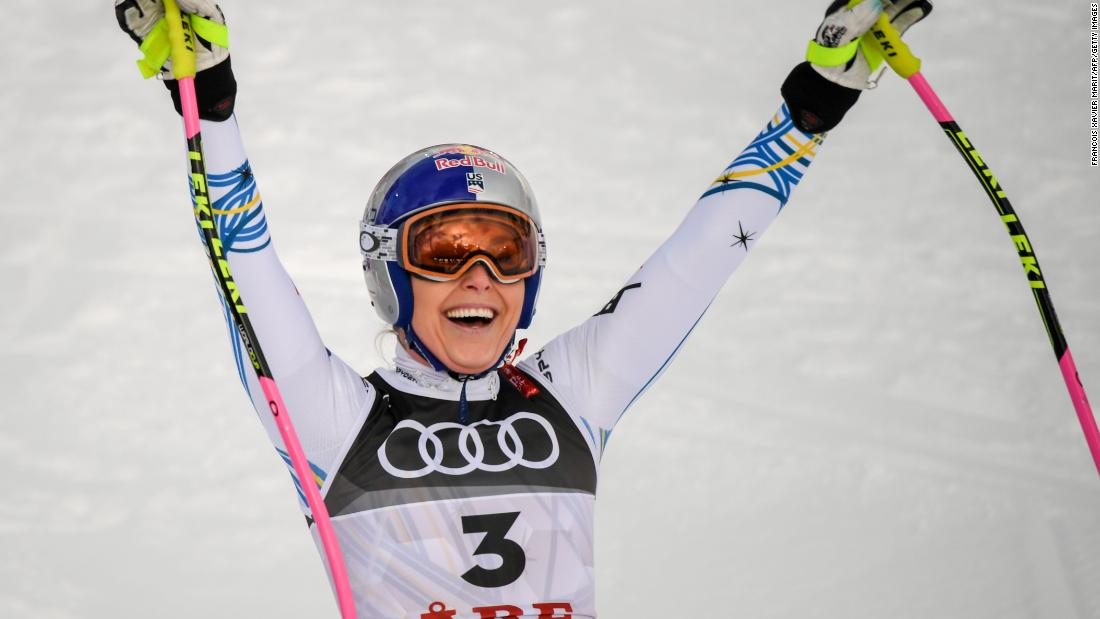 Despite crashing earlier in the week, Lindsey Vonn goes out in style at the World Championships in Are.