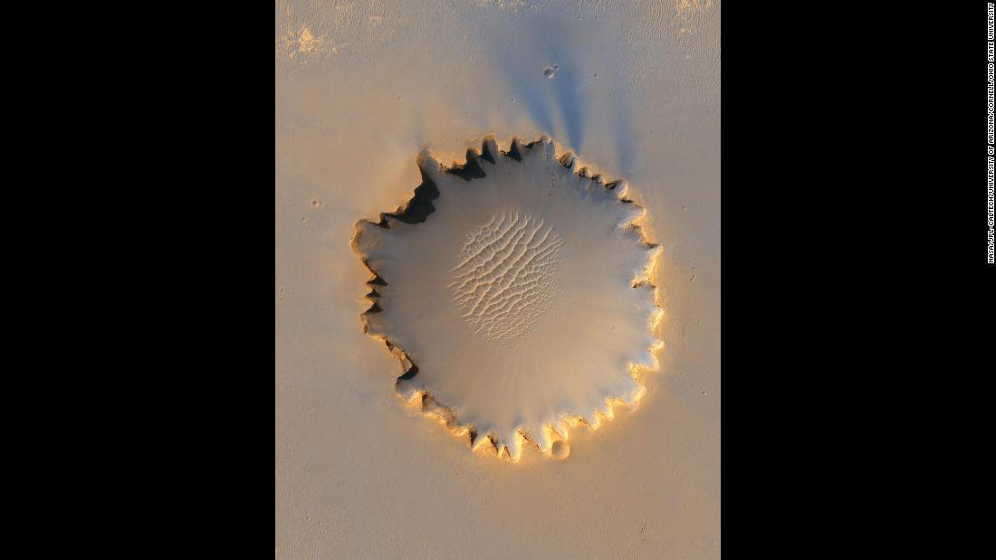 ExoMars: New Mars probe searching for life - CNN