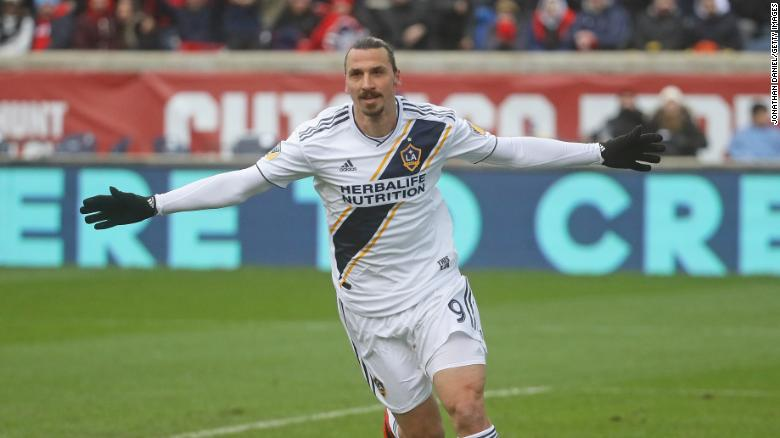 Zlatan Ibrahimovic Now I Just Go Out On The Field And Dominate Cnn