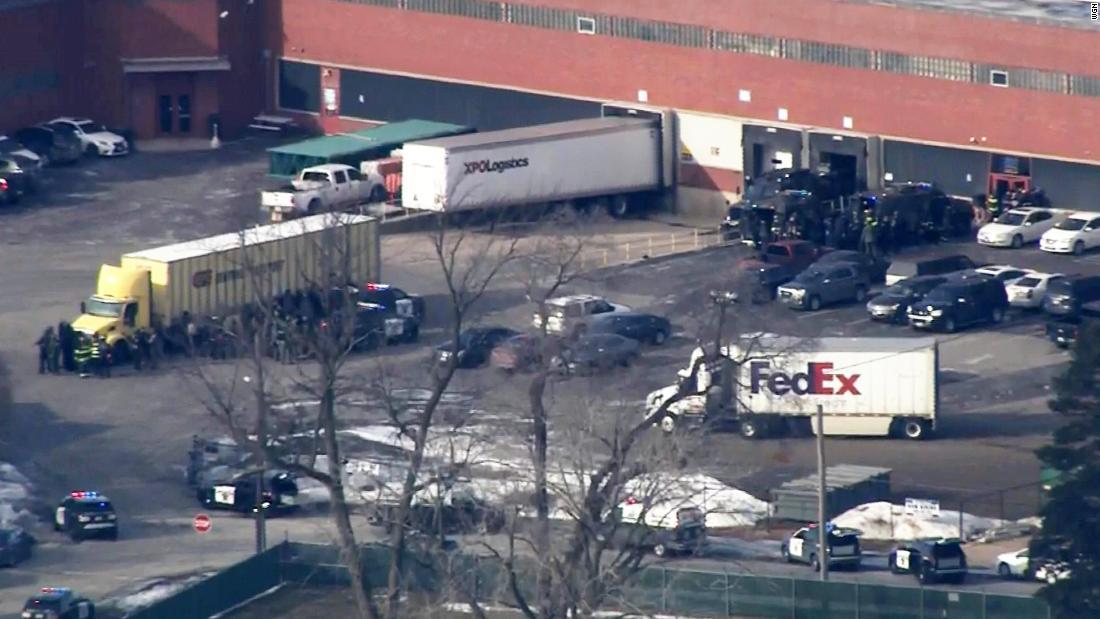 Suspected gunman in custody, 4 officers hurt in Aurora, Illinois, officials say
