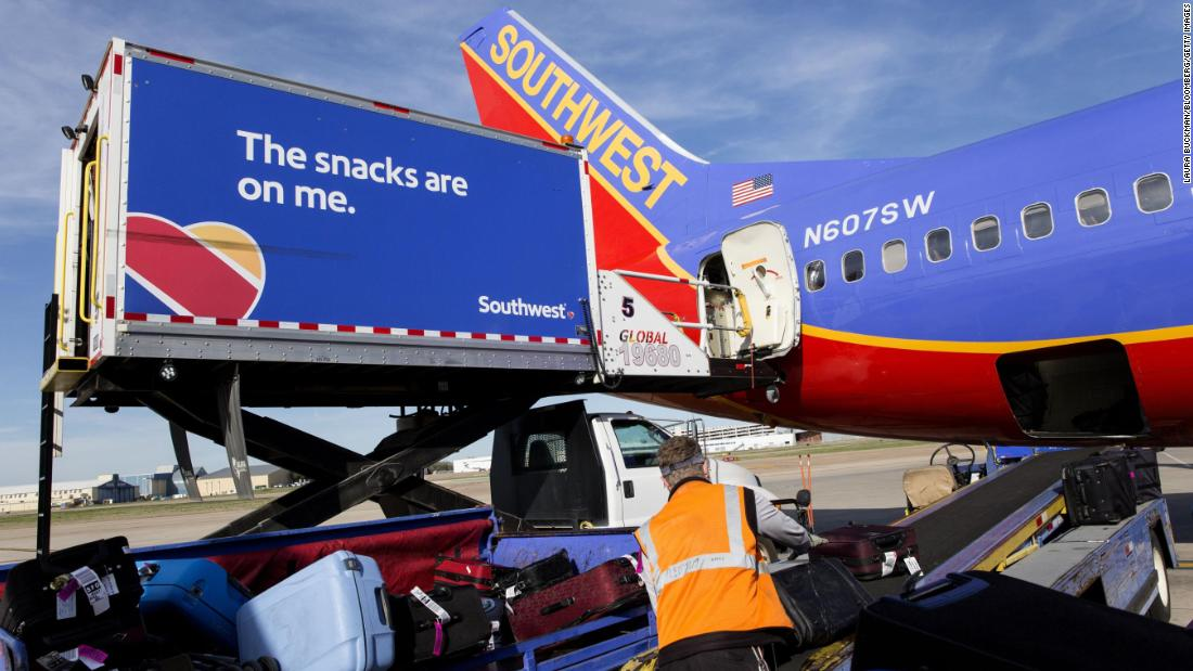 FAA investigating Southwest over baggage weight data