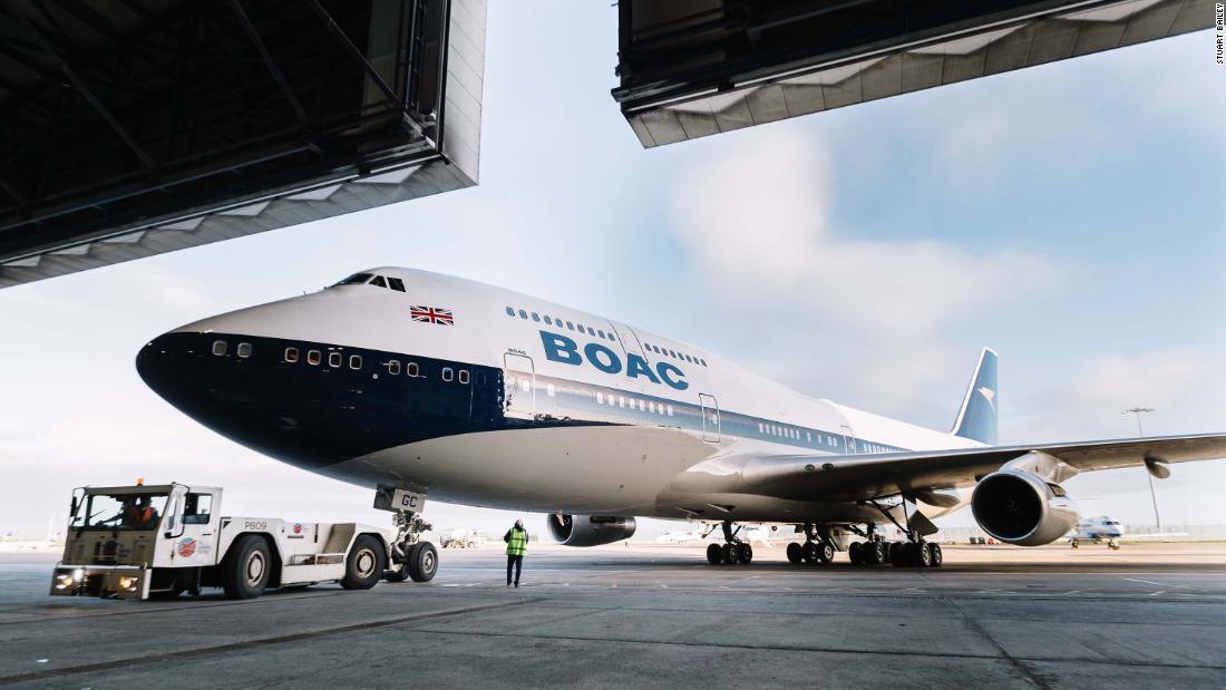 British Airways 1960s-styled Boeing 747 flies to New York