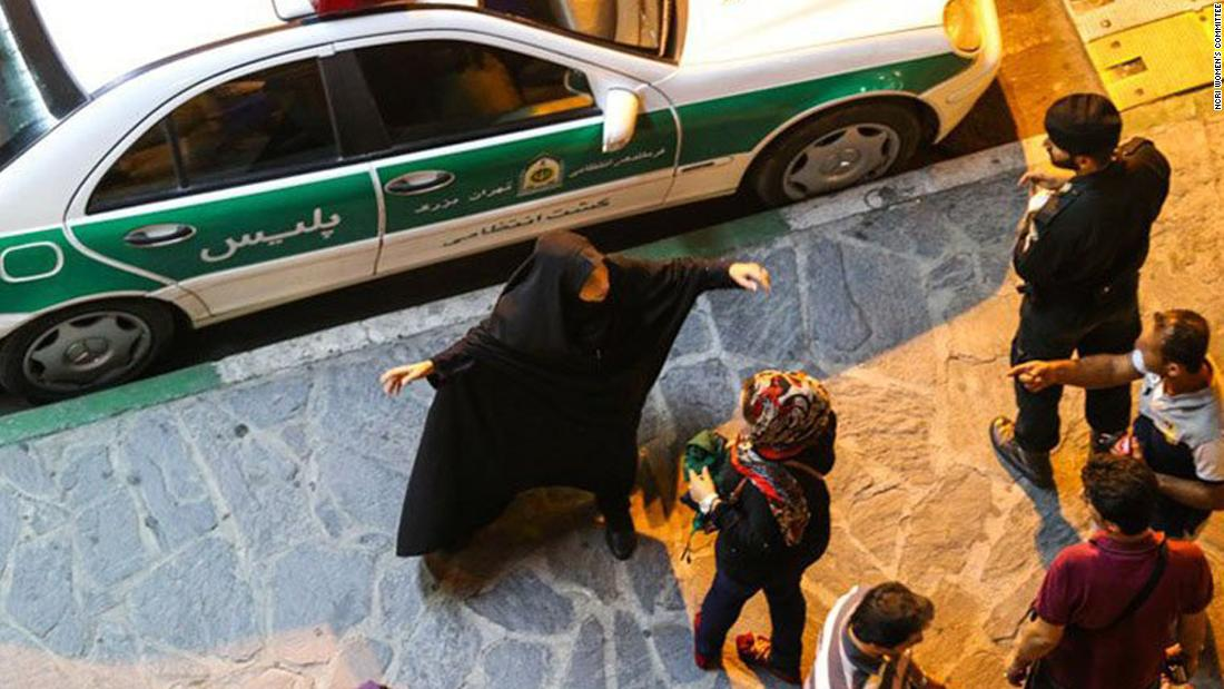 Iranians attack morality police after women detained