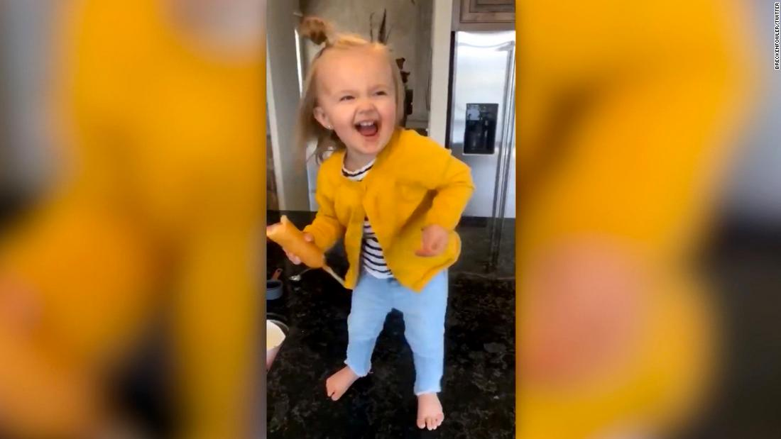 Toddler with corn dog goes viral for Beyoncé dance