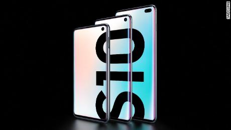 Samsung's Galaxy S10 lineup: Foldable phones, 5G and phones that charge each other