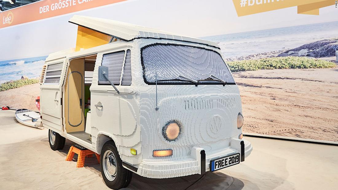 Vw Camper Van >> This Volkswagen camper van is made of 400,000 Legos - CNN Video